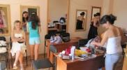 на занятиях парикмахеров